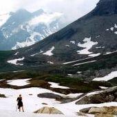mountain-hiker-407868-m