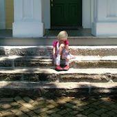 sad-girl-on-steps-790902-m